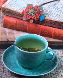En kop the og notesbog - tid til reflektion